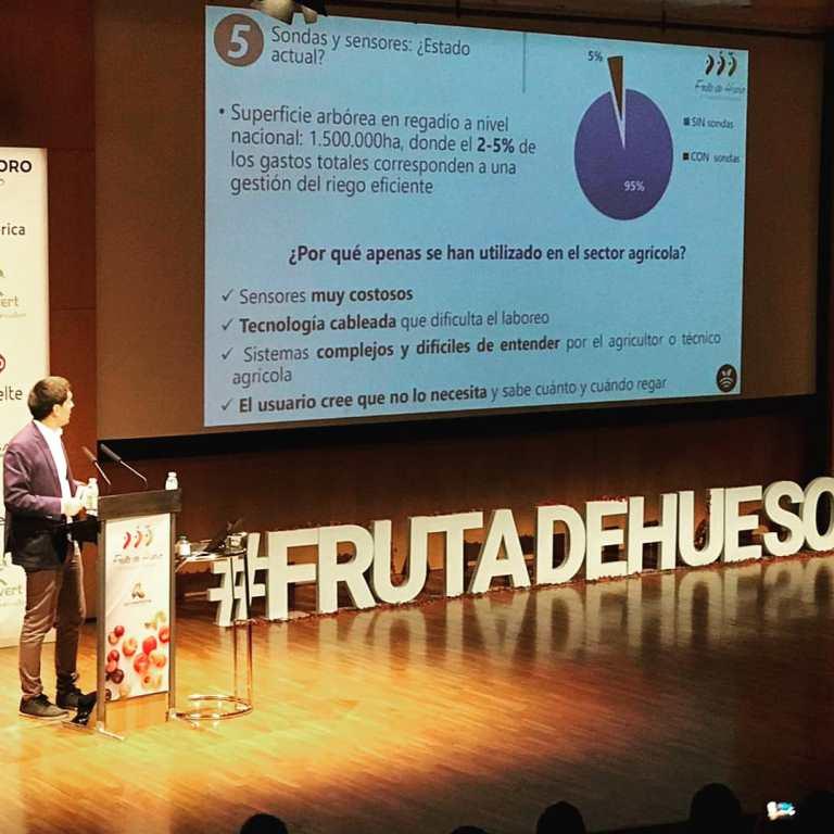 Samuel López-CEO de Plantae en el III Congreso de fruta de hueso en Murcia